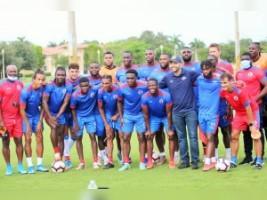 iciHaïti - Gold Cup 2021 : Le Maire de Miami Lakes rend visite à nos Grenadiers