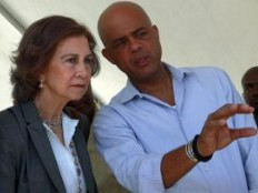 Haiti - Reconstruction : The Queen Sofía of Spain and the President Martelly to Titanyen
