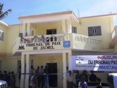 Ha ti justice nouveau tribunal de paix de jacmel for Hopital canape vert haiti