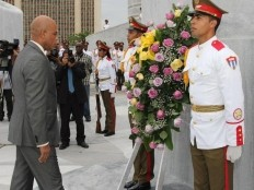 Haiti - Politic : The President Martelly in Cuba pays tribute to the Haitians heroes