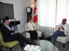 Reconstruction : Visit of two Canadian Ministers