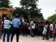 Haiti - FLASH : Workers forced to take the street, companies close