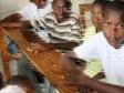 Haiti - Education : Students shyly go back to school
