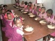Haiti - Education : 685.000 more students this year, in school canteens